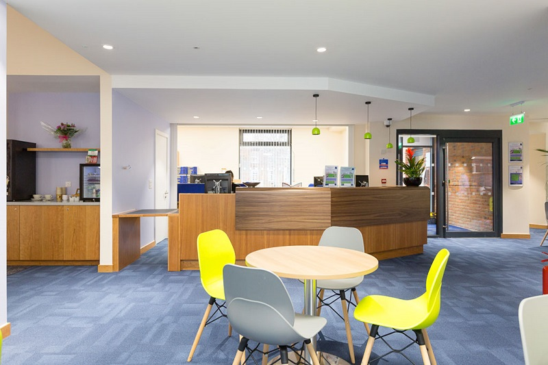Building 80's modernised foyer - great for informal meetings