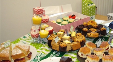 MILTON KEYNES BUSINESS CENTRE CELEBRATES MACMILLAN COFFEE MORNING